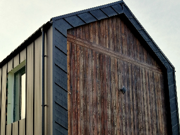 Burnt Larch Timber Cladding - Charring level: Shade